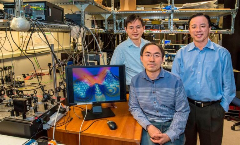 Ultrathin Invisibility Cloak makes 3D Objects Disappear