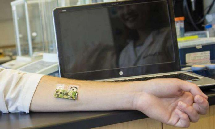 Flexible wearable electronic skin patch monitor alcohol levels