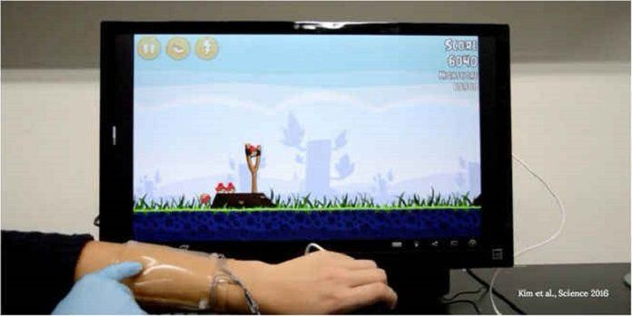 Stretchy, Skin like Game Controller Acts like Second Screen