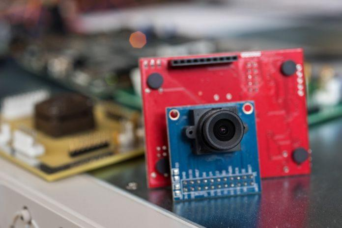 Researchers develop low-power gesture recognizing camera to always be on