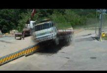 Rolling guardrail