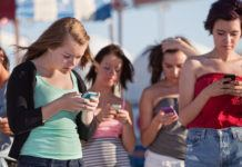 Women More Prone To Smartphone Addiction Than Men