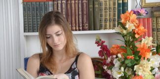 Reading Good Book may Help Ease Chronic Pain