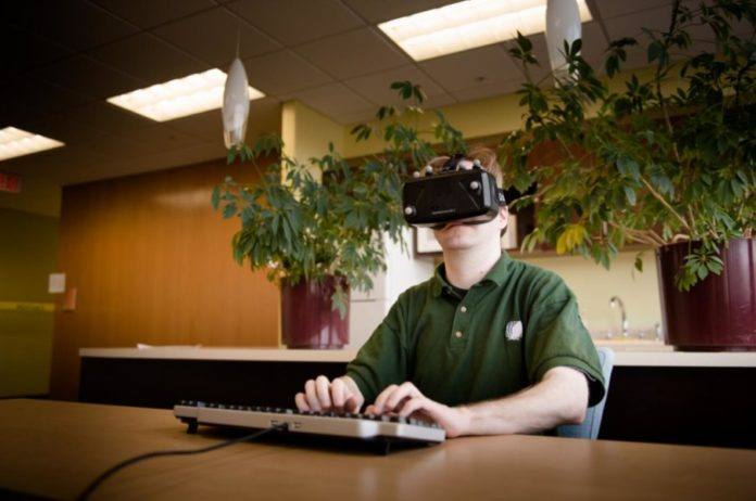 Physical Keyboard Make Virtual Reality Typing Easier