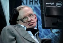 Stephen Hawking: Humanity only has around 1,00 years left on Earth