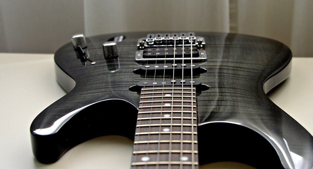 revolutionary guitar strings rock the guitar world. Black Bedroom Furniture Sets. Home Design Ideas