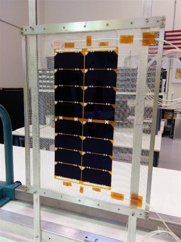 Advanced multi-junction solar cells with high efficiency