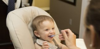 When is the opportune time to start babies on solid foods?