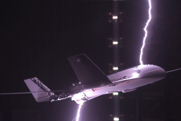 Lightning laboratory test on model aircraft. Image: Joan Montanya/Polytechnic University of CataloniaLightning laboratory test on model aircraft. Image: Joan Montanya/Polytechnic University of Catalonia