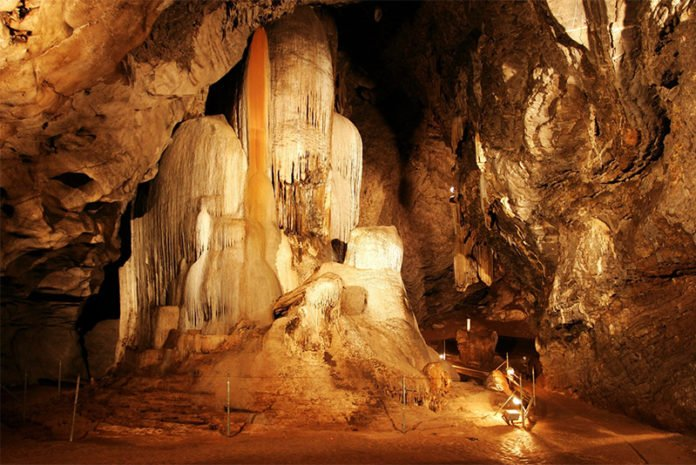Wellington Caves in mid-west NSW where scientific research is being carried out. Image: wellingtoncaves.com.au