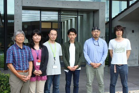 Members of the OIST Marine Genomics Unit and the DNA Sequencing Unit were a part of this collaborative study. From left to right: Professor Nori Satoh, Ms. Kanako Hisata, Dr. Ryo Koyanagi, Mr. Shinichi Yamasaki, Mr. Manabu Fujie and Dr. Takeshi Takeuchi.