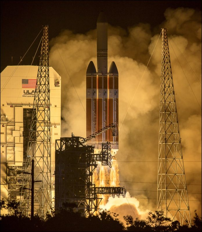 Delta IV Heavy Lifts off for Parker Solar Probe Mission