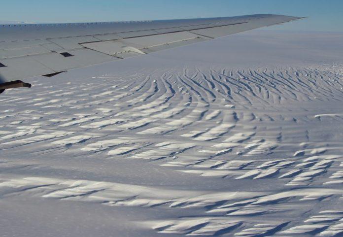 Crevassing on the Foundation Ice Stream