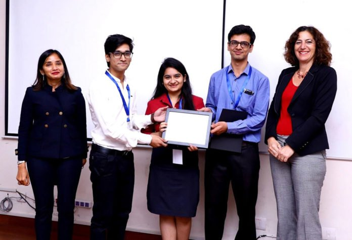 Prize winning team from Bharti Vidyapeeth College of Engineering.