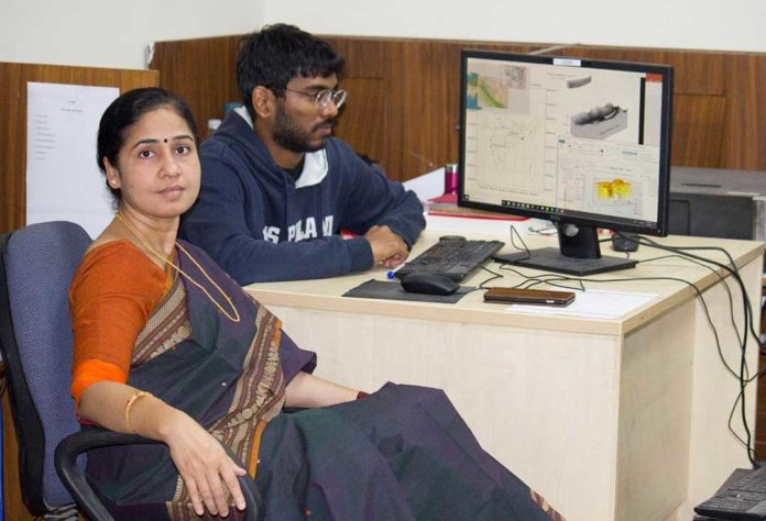 Dr. Shibani K Jha and Harish Puppala at their lab