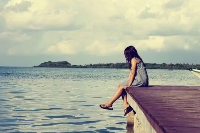 Lonely girl/ Image: Pixabay