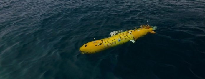 During the dive, the AUV vehicle is flying 3 meters high over the seabed at 2.2 knots (roughly 4 km per hours) and takes an image every second