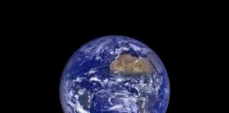 The rising Earth from the perspective of the moon © NASA Goddard