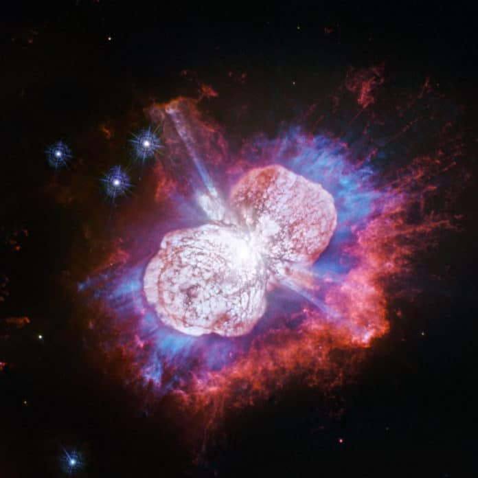 This Hubble Space Telescope image of the giant, petulant star Eta Carinae is yielding new surprises./ Image: NASA