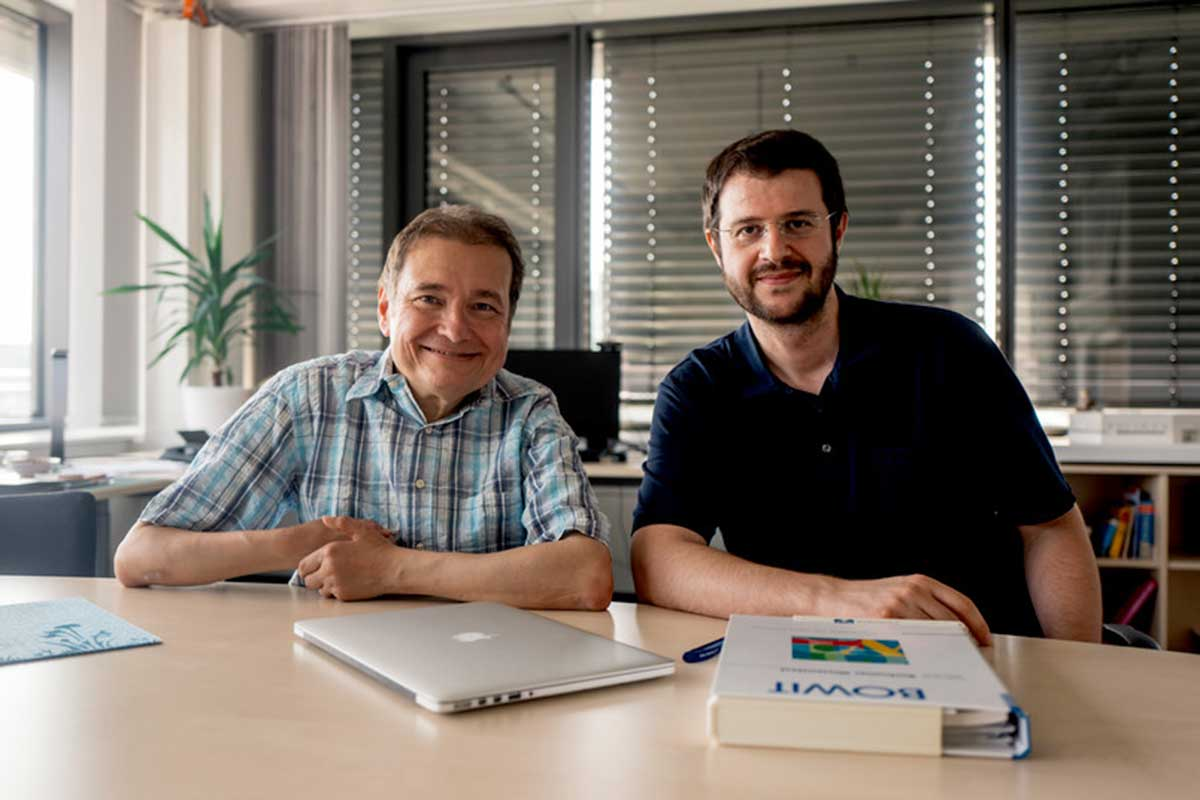 Erhan Genç (right) and Onur Güntürkün of the Bochum Biopsychology Unit are interested in the relationships between brain structure and cognitive abilities. © RUB, Kramer