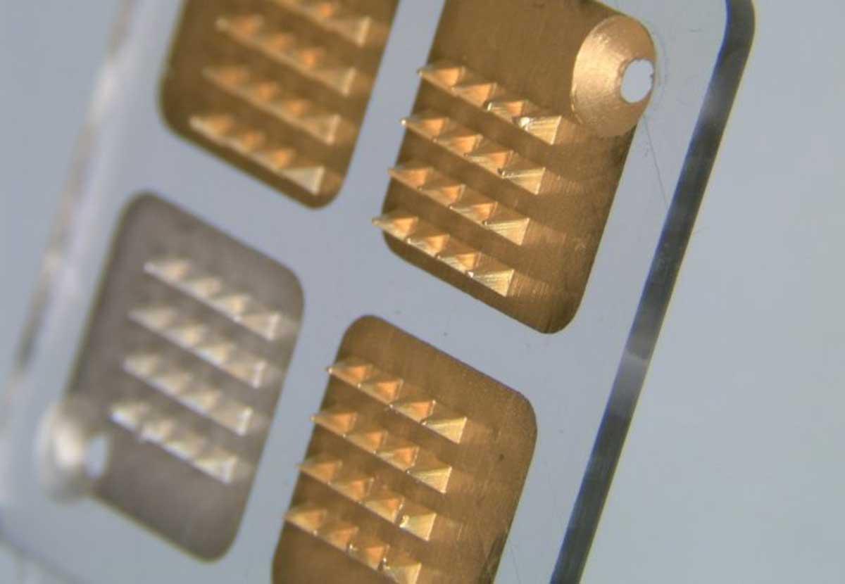 Microneedle biosensors use a series of microscopic 'teeth' to penetrate the skin