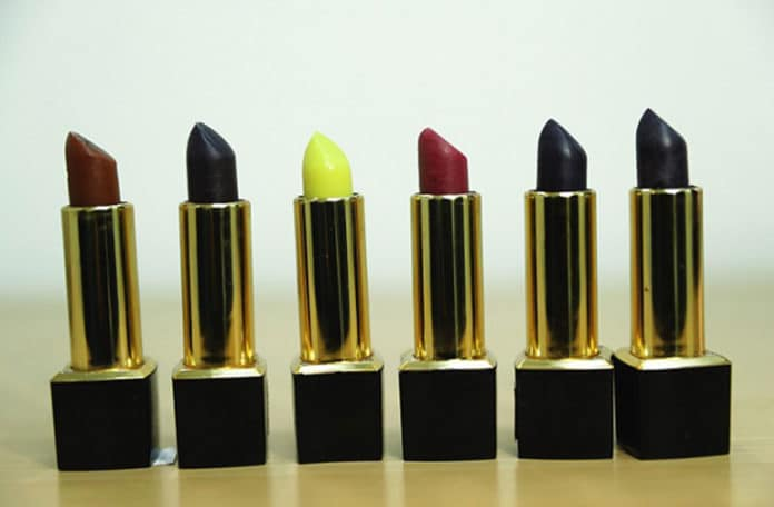 Scientists created organic and herbal lipsticks for lipstick lovers