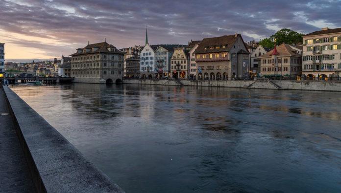 Assessing Switzerland's solar power potential