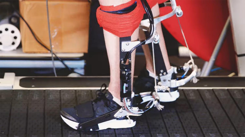 Motorized ankle exoskeleton boosts runner's speed by 10% - Tech Explorist