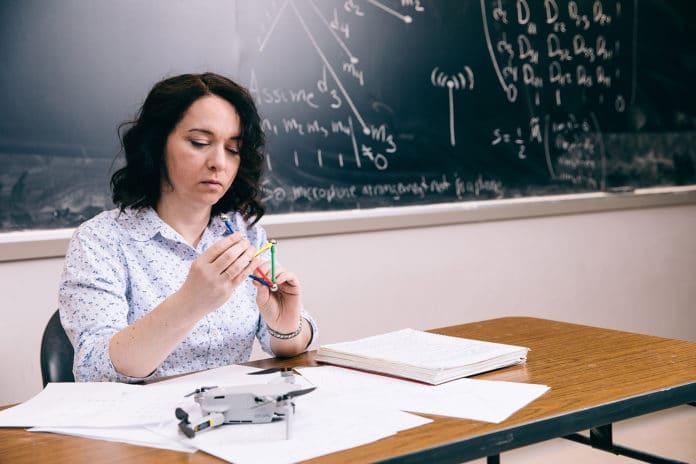 Prof. Mireille Boutin studyng the technology.