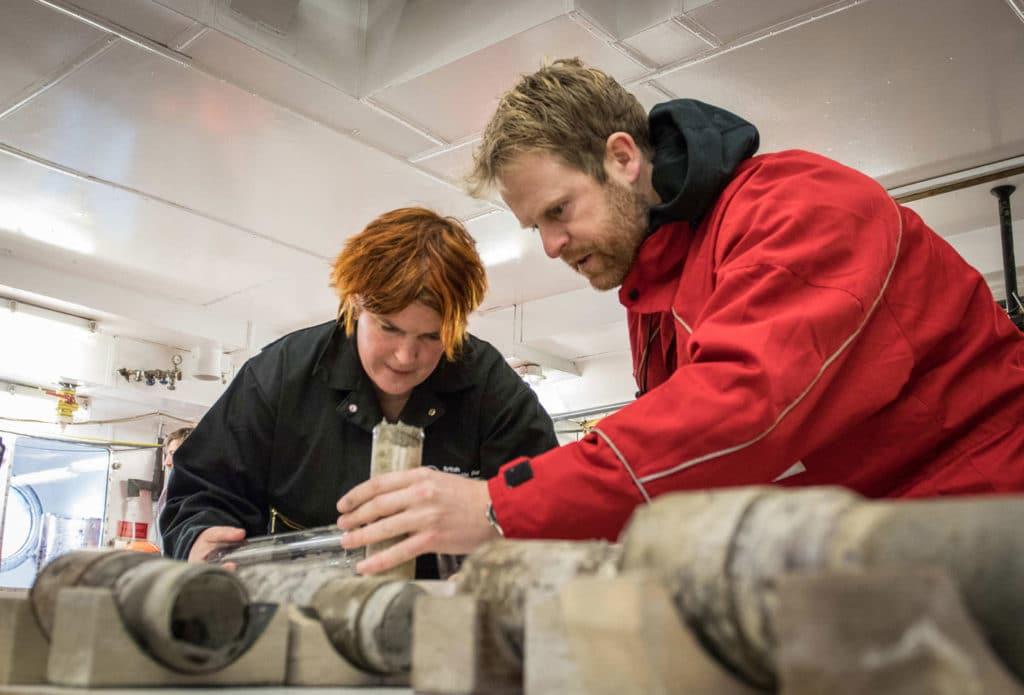 Professor Tina van de Flierdt and Dr Johann Klages work on the sample of ancient soil. Credit: T. Ronge, Alfred-Wegener-Institut
