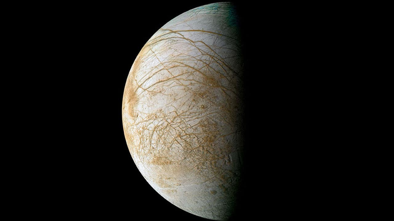 Alien Life Could Exist in inside Jupiter's Icy Moon Europa