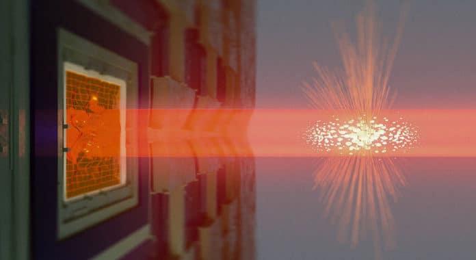 Light propagates through the atomic cloud