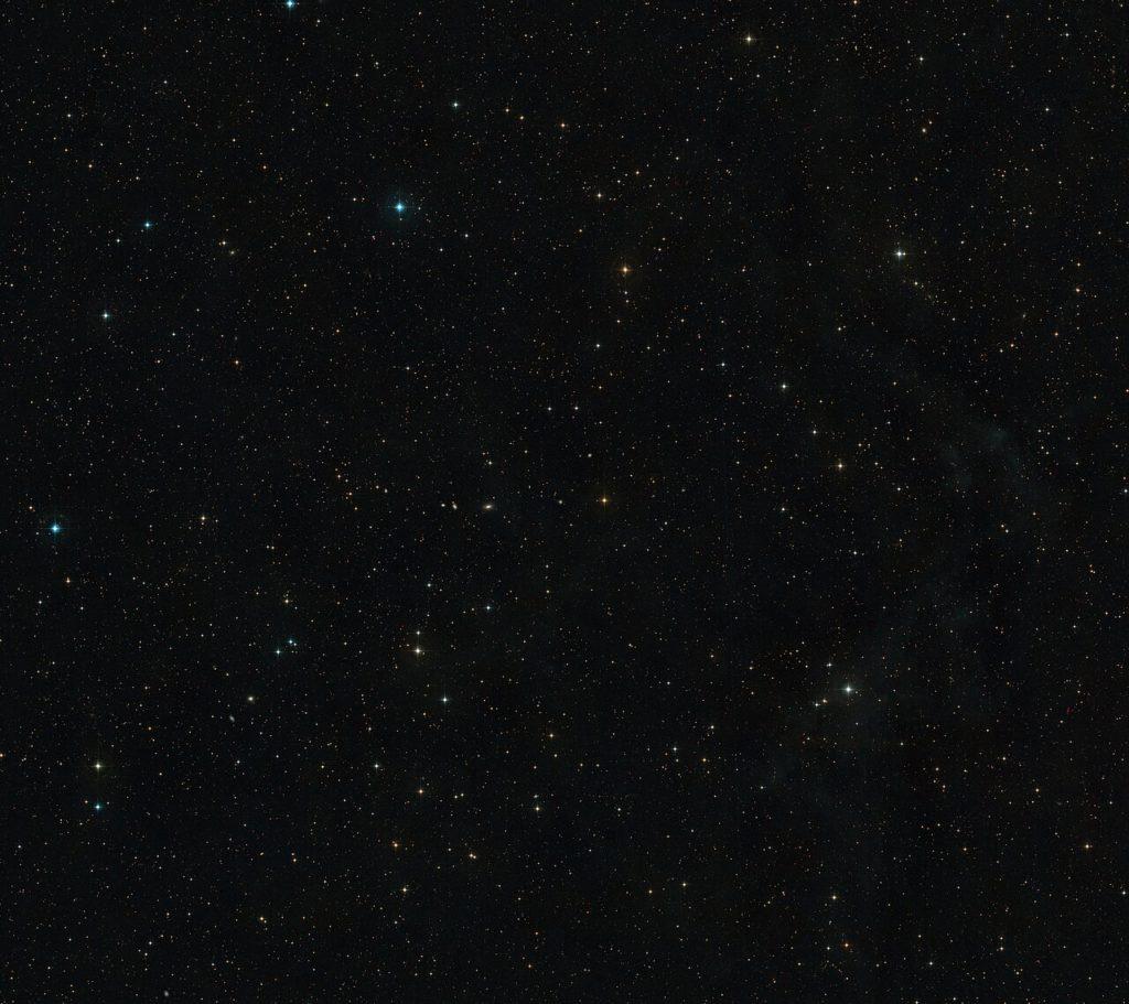 The sky around AT2019qiz