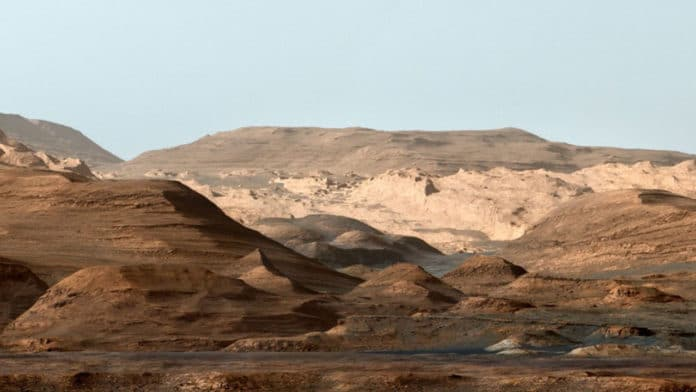 false-color image of Mount Sharp inside Gale crater on Mars