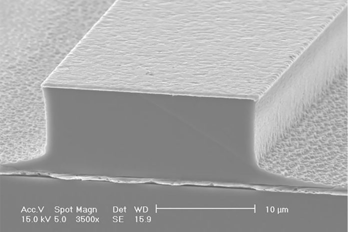 A scanning electron microscope (SEM) image of a terahertz quantum cascade laser (QCL) device.