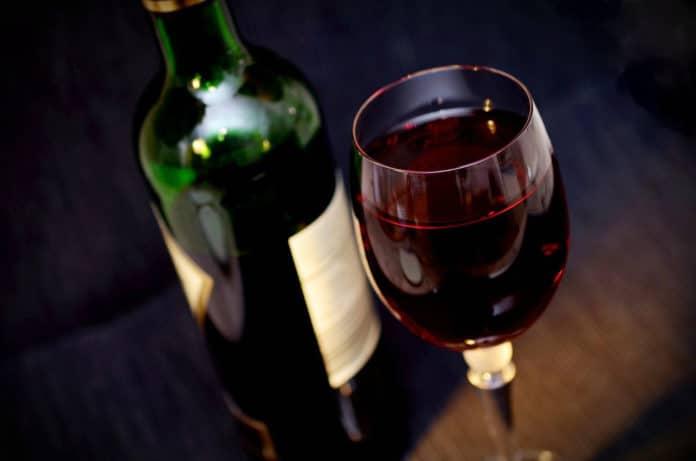 Every week of lockdown increases binge drinking, study