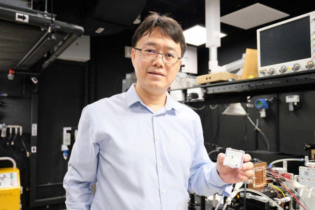 Professor Wang Qijie