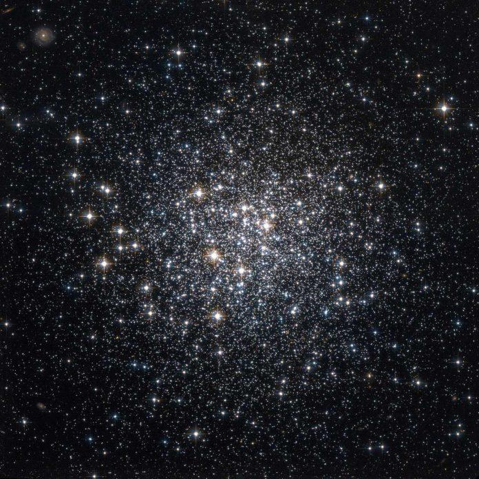 Hubble Space Telescope image of NGC 6981